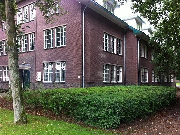 Het gebouw in Harderwijk, waar Verletbestrijding kantoor houdt